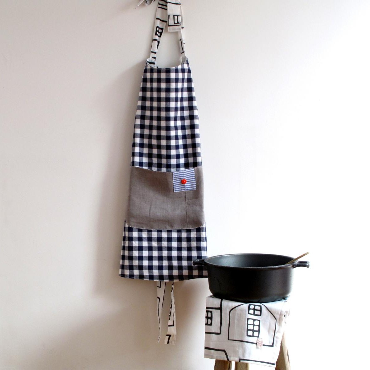 photo credit: Love your home - apron & pot holders via photopin (license)